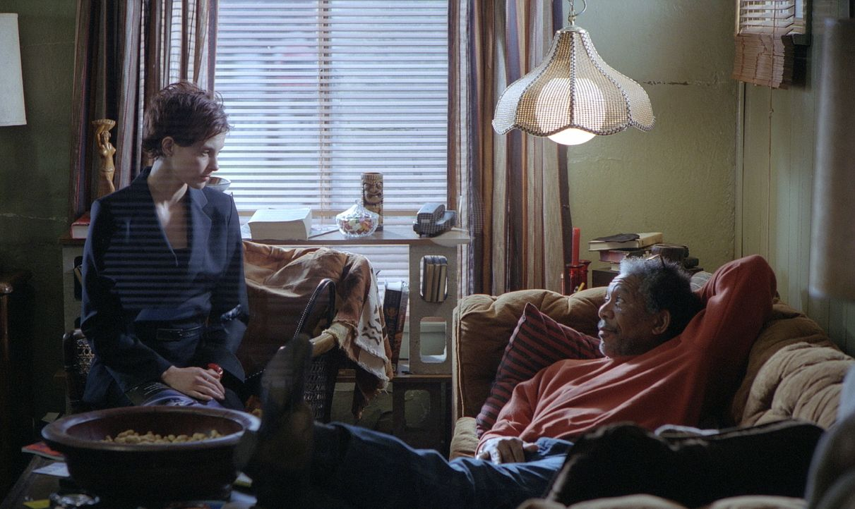 Das Leben der erfolgreichen Anwältin Claire Kubik (Ashley Judd, l.) wird kurz vor Weihnachten völlig auf den Kopf gestellt, als ihr Ehemann Tom verh... - Bildquelle: 20th Century Fox Film Corporation