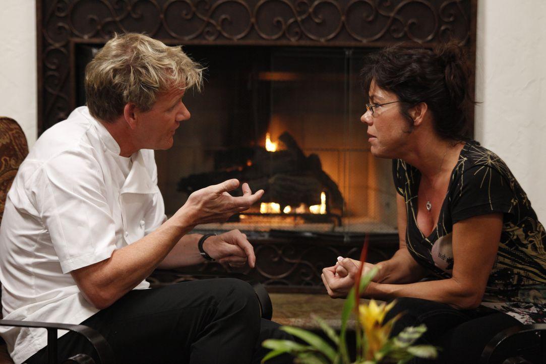 Gordon Ramsay (l.) - Bildquelle: Greg Gayne 2009 ITV Studios, Inc. all rights reserved. / Greg Gayne
