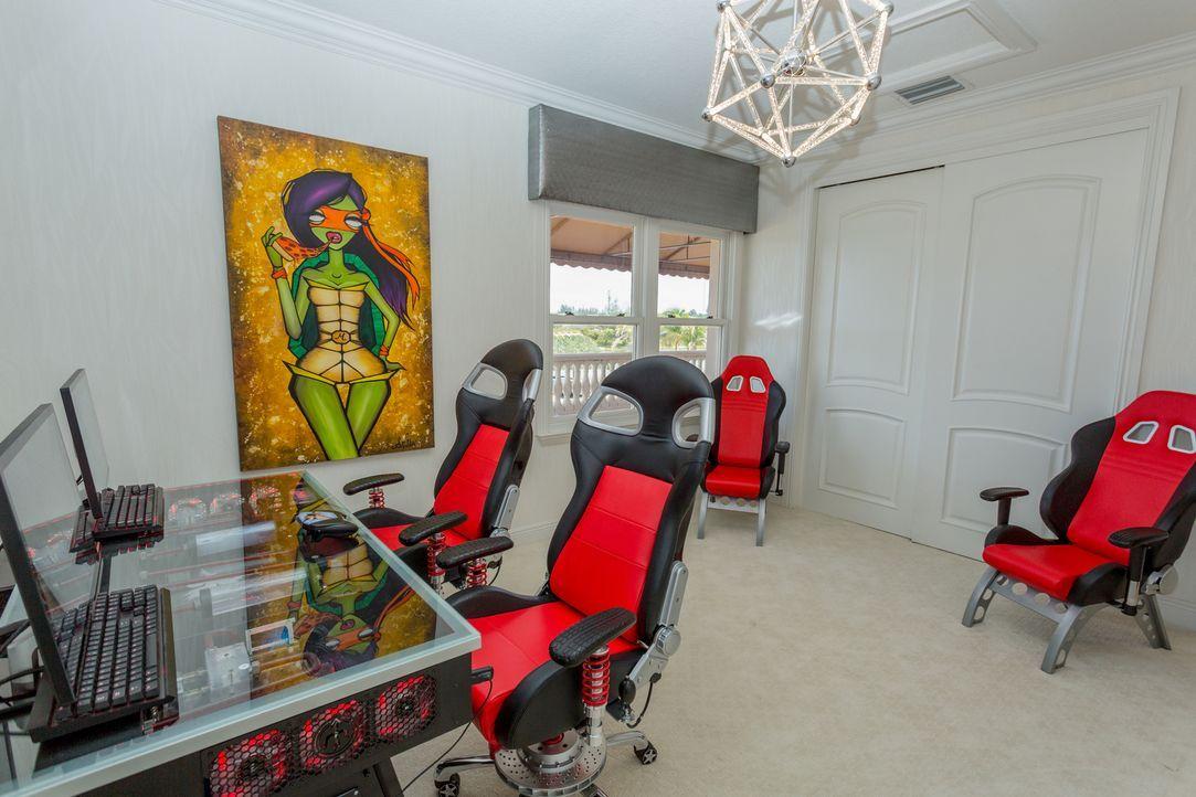 Robs aktuelle Immobilie in Florida ist wie ein Fass ohne Boden. Heute nimmt ... - Bildquelle: 2014, DIY Network/Scripps Networks, LLC. All Rights Reserved.