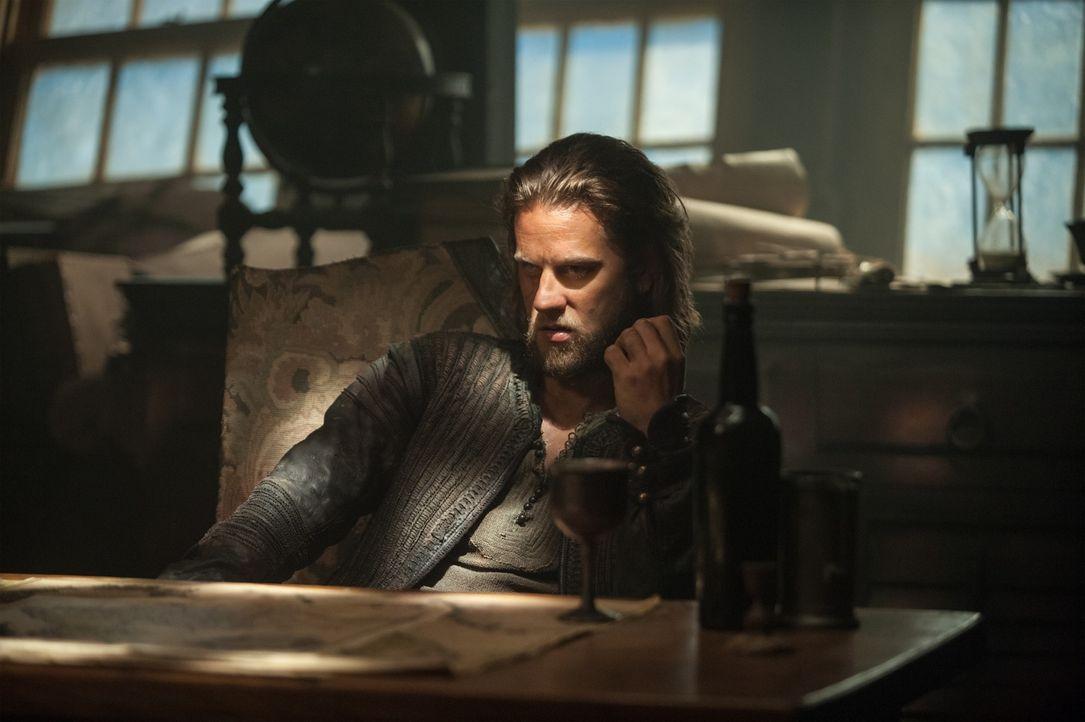 Mit ihm ist nicht zu spaßen: der berüchtigte Pirat Ned Low (Tadhg Murphy) ... - Bildquelle: David Bloomer 2015 Starz Entertainment LLC, All rights reserved.