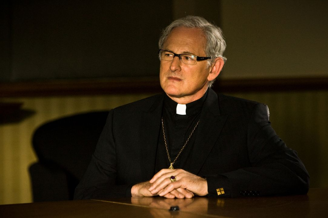 Weiß genau, was die Tempelritter-Aktion zu bedeuten hat: Monsignor De Angelis (Victor Garber), dem christliche Nächstenliebe eher fern liegt ... - Bildquelle: 2008 Templar Productions (Muse) Inc. All Rights Reserved