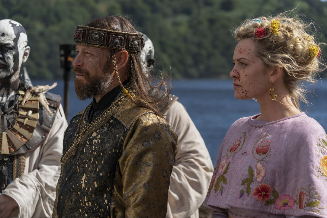 Harald (Peter Franzén, l.); Ingrid (Lucy Martin, r.) - Bildquelle: 2020 TM Productions Limited / T5 Vikings IV Productions Inc. All Rights Reserved. An Ireland-Canada Co-Production.