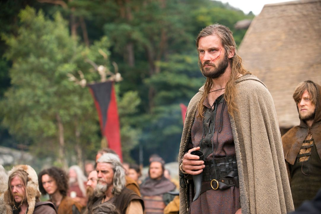 Macht der Witwe des Earls ein dubioses Angebot: Rollo (Clive Standen) ... - Bildquelle: 2013 TM TELEVISION PRODUCTIONS LIMITED/T5 VIKINGS PRODUCTIONS INC. ALL RIGHTS RESERVED.