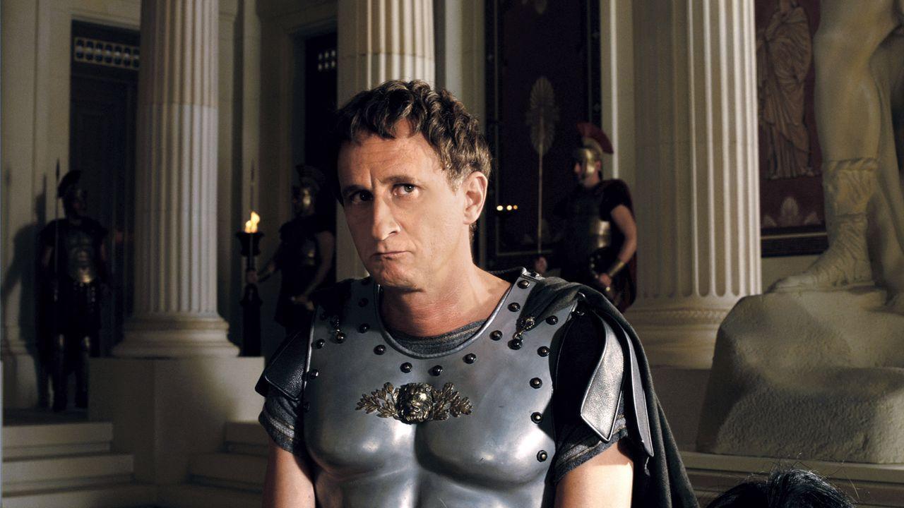 Brutus (Benoît Poelvoorde) ist jedes Mittel recht, um die Olympischen Spiele zu gewinnen und Prinzessin Irina zur Frau zu bekommen. Doch Asterix und... - Bildquelle: Constantin Film