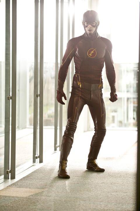 Barry alias The Flash (Grant Gustin) scheint nicht wirklich bei der Sache zu sein. Das merken auch seine Freunde bei S.T.A.R. Labs ... - Bildquelle: Warner Brothers.