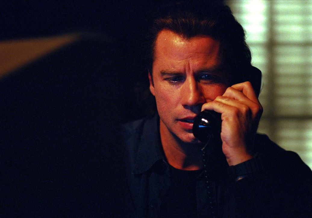 Nur Dannys leiblicher Vater, der Bootsbauer Frank Morrison (John Travolta) erkennt, welche schleichende Gefahr von dem zukünftigen Stiefvater seines... - Bildquelle: Paramount Pictures