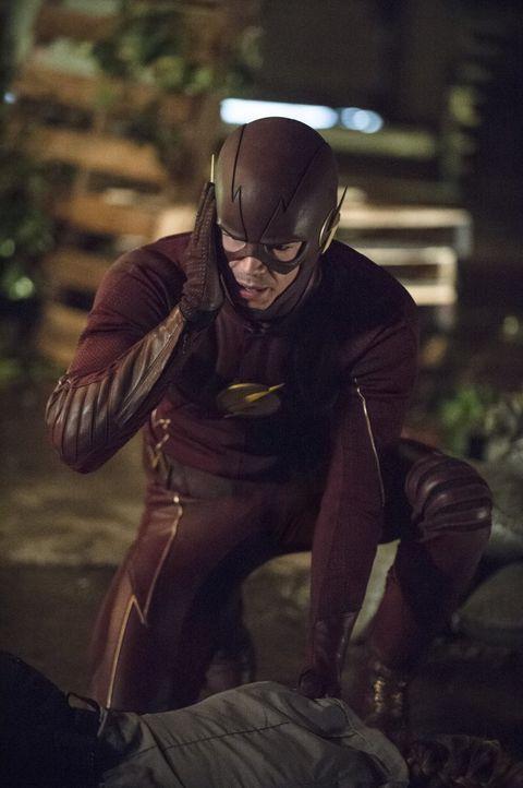 Während Barry alias The Flash (Grant Gustin) mit einem neuen Verbündeten zusammenarbeitet, bekommt Joe unerwarteten Besuch ... - Bildquelle: 2015 Warner Brothers.