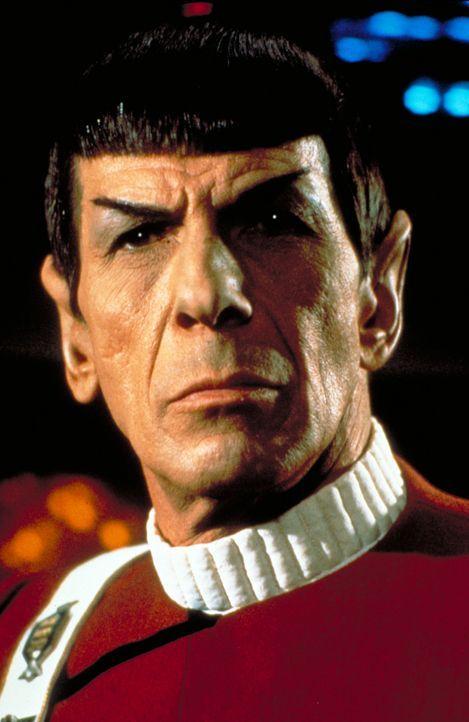 Cpt. Spock (Leonard Nimoy) sieht nur einen Ausweg, die Enterprise vor dem Untergang zu bewahren … - Bildquelle: Paramount Pictures
