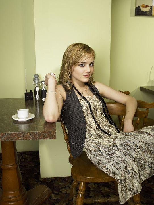 (1. Staffel) - Landet zufällig mit ihrem Vater in Eureka, einem kleinen Städtchen, in dem merkwürdige Dinge geschehen:  Zoe  (Jordan Hinson) ... - Bildquelle: Universal Television