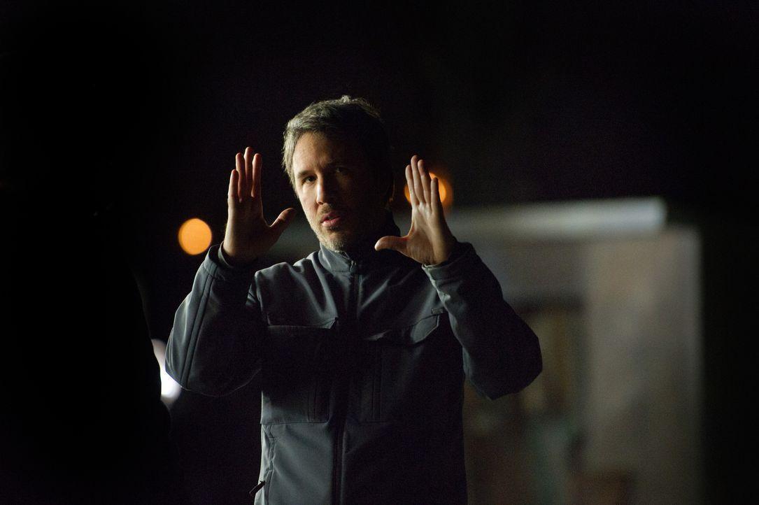 Regisseur Denis Villeneuve am Set ... - Bildquelle: TOBIS FILM. ALL RIGHTS RESERVED