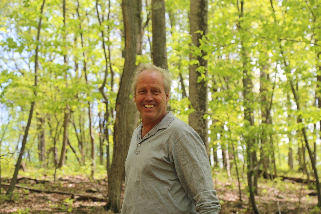 DIY-Mann B'fer liebt es, holzige Herausforderungen in den Bäumen anzunehmen. Für die leidenschaftliche Pflanzen- und Naturliebhaberin Susan macht er... - Bildquelle: 2016,DIY Network/Scripps Networks, LLC. All Rights Reserved