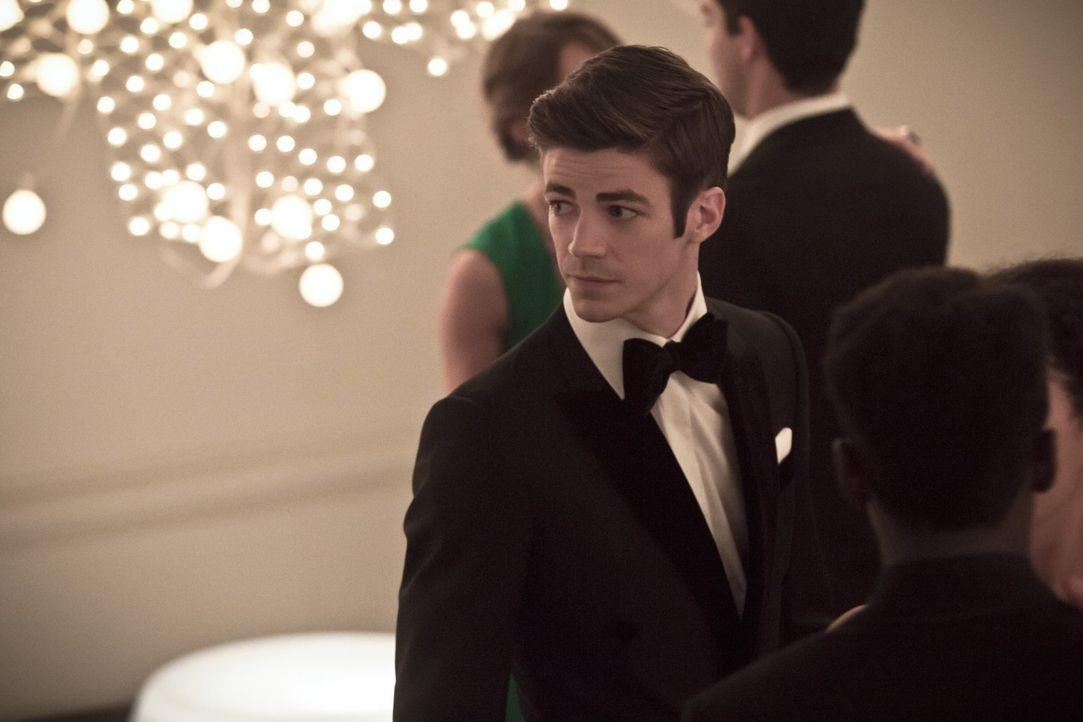 Barry (Grant Gustin) überlegt, ob er Patty sagen sollte, dass er The Flash ist. Würde Patty mit dieser Neuigkeit zurechtkommen? - Bildquelle: 2015 Warner Brothers.