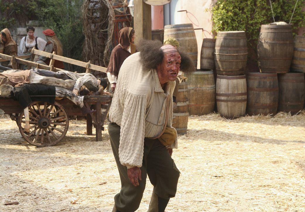 Auch Ted (Sam Lloyd) darf in der Geschichte nicht fehlen und macht als Monster das Dorf unsicher ... - Bildquelle: Touchstone Television