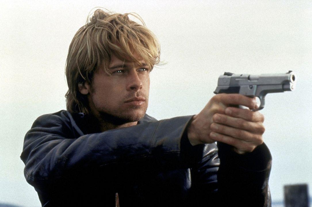 In Amerika soll der irische Terrorist Francis (Brad Pitt)  Waffen organisieren, doch durch einen fehlgeschlagenen Deal bringt er die Familie seines... - Bildquelle: Columbia TriStar