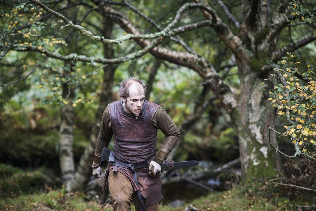 Wird er Ragnar wirklich an König Horik verraten? Floki (Gustaf Skarsgard) ... - Bildquelle: 2014 TM TELEVISION PRODUCTIONS LIMITED/T5 VIKINGS PRODUCTIONS INC. ALL RIGHTS RESERVED.