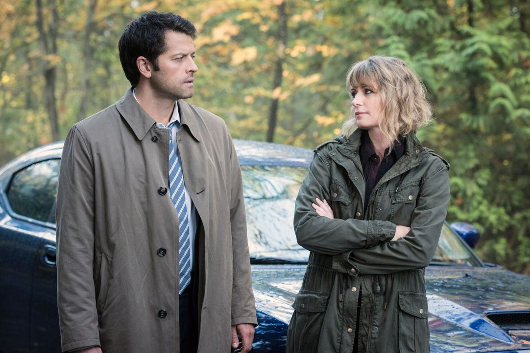 Castiel (Misha Collins, l.); Mary (Samantha Smith, r.) - Bildquelle: Dean Buscher 2016 The CW Network, LLC. All Rights Reserved / Dean Buscher