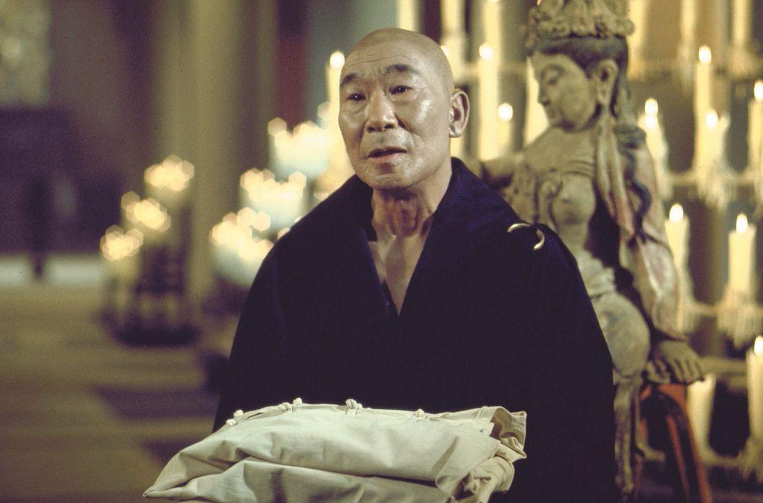 Versucht dem heranwachsenden Kwai Chang Caine, Gelassenheit nahezubringen: Master Kann (Philip Ahn) ... - Bildquelle: Warner Bros.