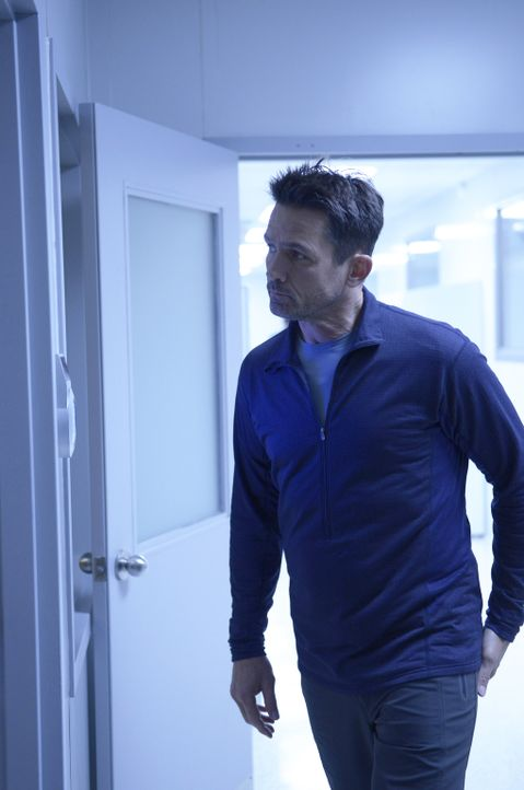 Nach dem Tod von Doreen ist sich Alan (Billy Campbell) sicher, dass dies kein Unfall war und dass das fehlende Vertrauen ein riesiges Problem auf de... - Bildquelle: 2014 Sony Pictures Television Inc. All Rights Reserved.