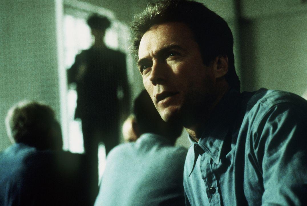 Alcatraz gilt als das sicherste Gefängnis der Welt - niemandem ist bislang die Flucht gelungen. Trotzdem sinnt Häftling Morris (Clint Eastwood), der... - Bildquelle: Paramount Pictures