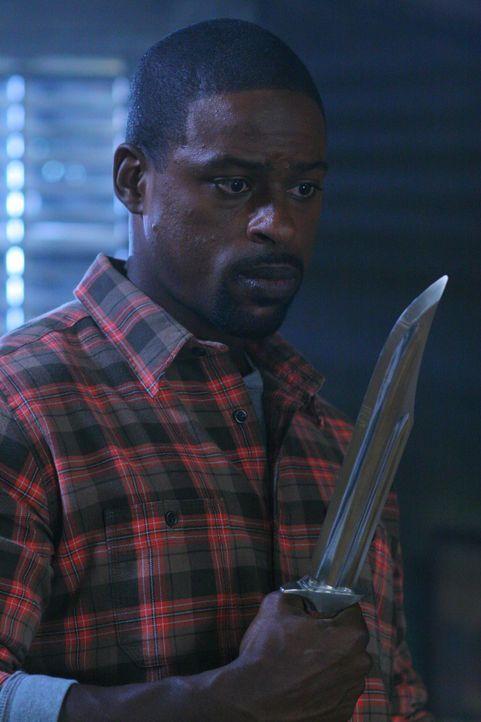 Gordon (Sterling K. Brown) macht gnadenlos Jagd auf Vampire, die eigentlich völlig harmlos sind ... - Bildquelle: Warner Bros. Television