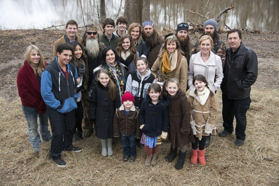 Die Robertsons organisieren ein Familientreffen, um Mia gebührend zu verabschieden und ihr für die OP alles Gute zu wünschen. - Bildquelle: 2013 A+E Networks
