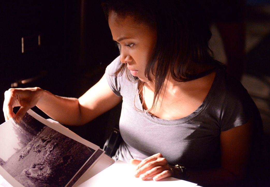 Abbie Mills (Nicole Beharie) ist Lieutanant bei der Polizei von Sleepy Hollow und begegnet Ichabod Crane anfangs misstrauisch, doch sie sieht ein, d... - Bildquelle: 2013 Twentieth Century Fox Film Corporation. All rights reserved.