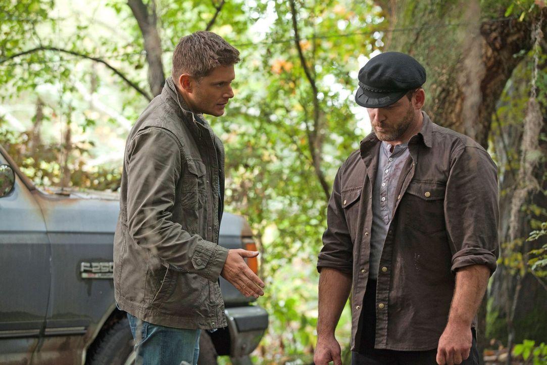 Als Dean (Jensen Ackles, l.) seinen Kumpel Benny (Ty Olssen, r.) zur Rede stellen will, tischt dieser ihm eine gute Geschichte auf. Doch wie viel Wa... - Bildquelle: Warner Bros. Television