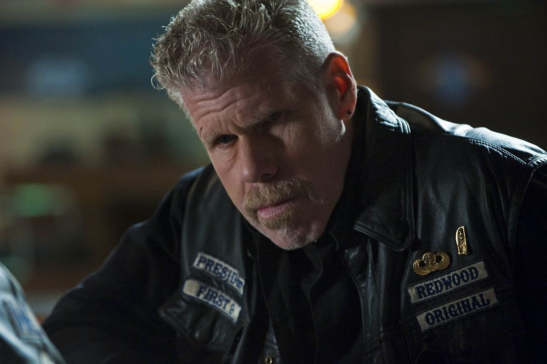 Clay (Ron Perlman) hat nur noch eines im Sinn: Rache an Zobelle und seinen Leuten ... - Bildquelle: 2009 Twentieth Century Fox Film Corporation and Bluebush Productions, LLC. All rights reserved.