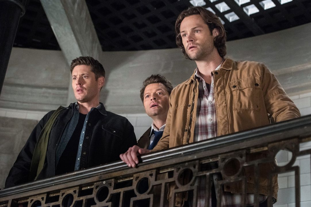 (v.l.n.r.) Dean (Jensen Ackles); Castiel (Misha Collins); Sam (Jared Padalecki) - Bildquelle: Dean Buscher 2018 The CW Network, LLC. All Rights Reserved / Dean Buscher