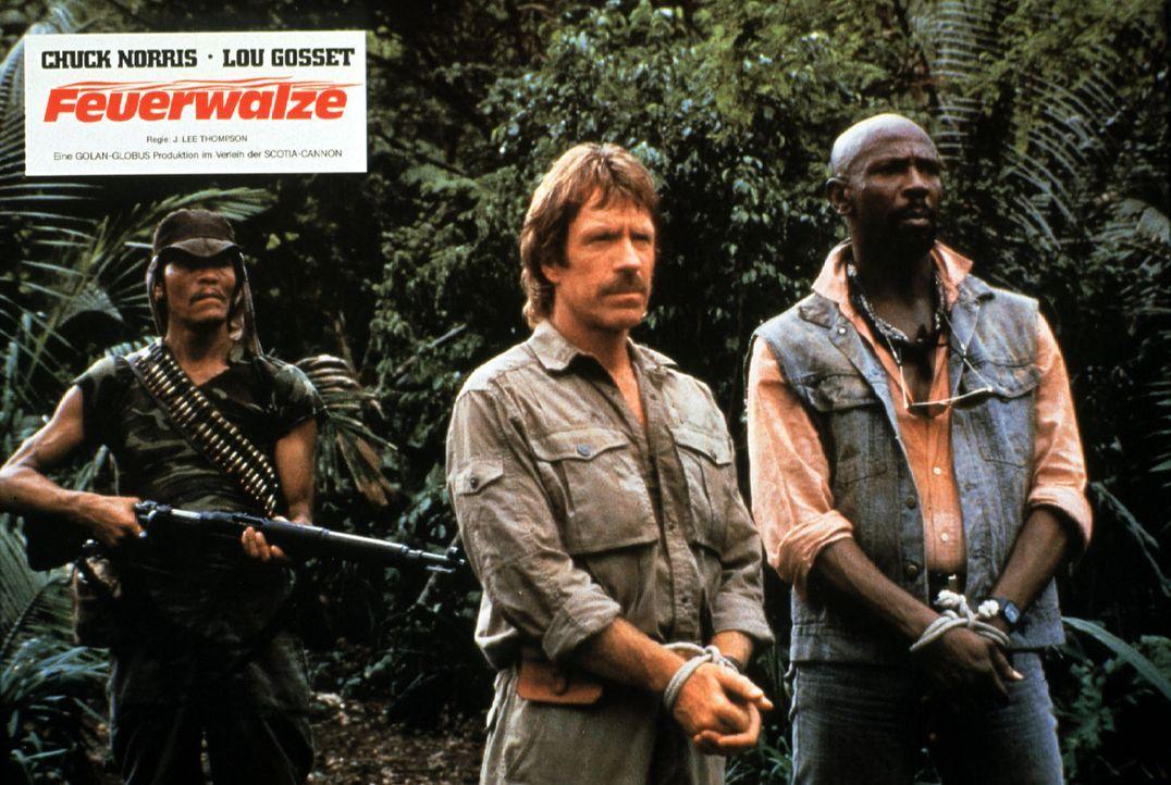 Die Schatzsuche gerät für Max (Chuck Norris, M.) und Leo (Louis Gossett Jr., l.) zu einem lebensgefährlichen Unternehmen. Diverse kriminelle Indi... - Bildquelle: Cannon Films
