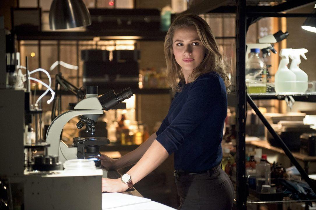 Patty (Shantel VanSanten) macht Barry klar, dass sie ihm vertrauen können muss - wird Barrys kleines Geheimnis zu einem Problem? - Bildquelle: 2015 Warner Brothers.