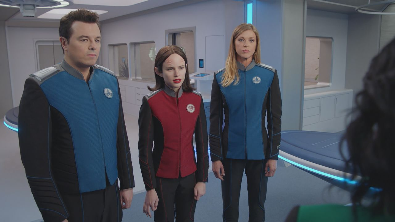 (v.l.n.r.) Captain Ed Mercer (Seth MacFarlane); Lieutenant Alara Kitan (Halston Sage); Commander Kelly Grayson (Adrianne Palicki) - Bildquelle: 2019 Twentieth Century Fox Film Corporation. All rights reserved.