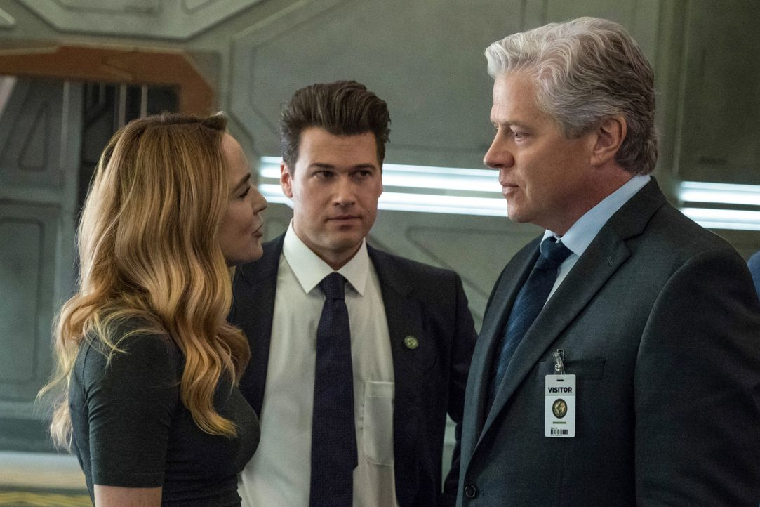 (v.l.n.r.) Sara (Caity Lotz); Nate (Nick Zano); Henry Heywood (Thomas F. Wilson) - Bildquelle: Jack Rowand 2018 The CW Network, LLC. All rights reserved. / Jack Rowand
