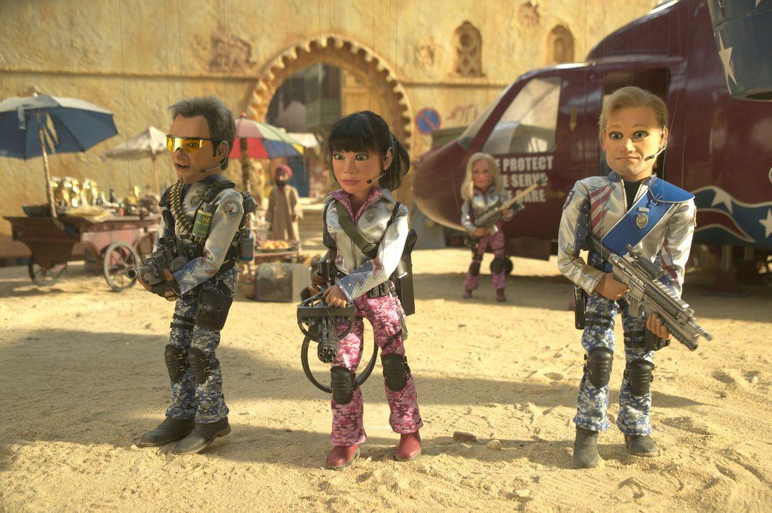 Der Einsatz in Kairo von (v.l.n.r) Chris, Sarah und Joe ist von Erfolg gekrönt - allerdings fliegt dabei die halbe Stadt in die Luft ... - Bildquelle: Paramount Pictures