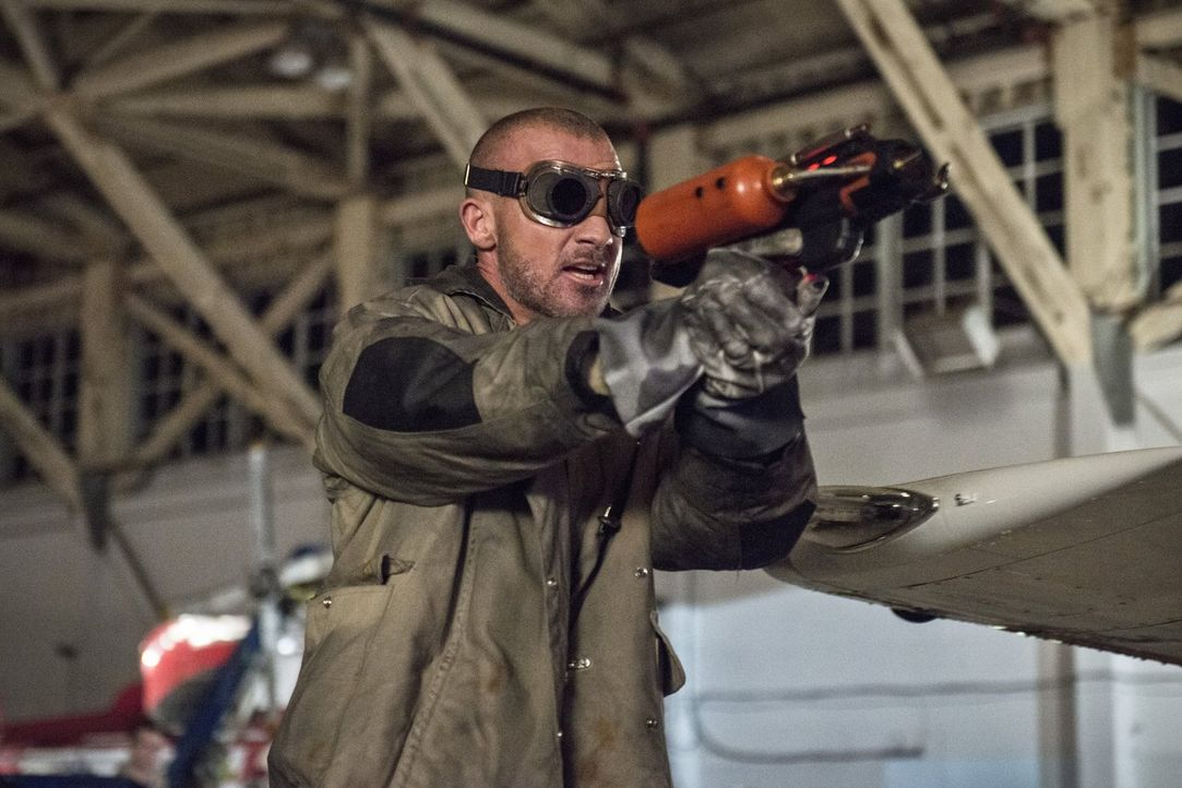 "Steht Leonard Snart alias Captain Cold zur Seite, beim Versuch Barry alias ""The Flash"" zu beseitigen: Mick Rory alias Heat Wave (Dominic Purcell) ... - Bildquelle: Warner Brothers."