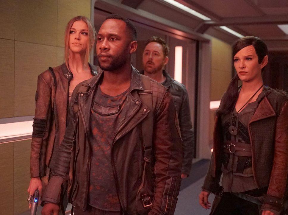 (v.l.n.r.) Kelly Grayson (Adrianne Palicki); John LaMarr (J. Lee); Gordon (Scott Grimes); Talla (Jessica Szohr) - Bildquelle: 2019 Twentieth Century Fox Film Corporation. All rights reserved.