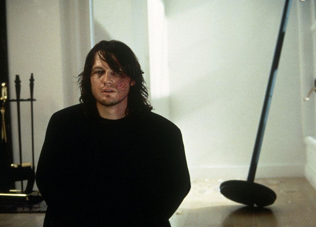 Der sogenannte Sohn (Frank Military) gehört zu einer unheiligen Dreieinigkeit, die wie Vampire leben und ihre Opfer auch so töten. - Bildquelle: TM +   2000 Twentieth Century Fox Film Corporation. All Rights Reserved.