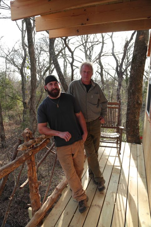 Die Baumhaus-Profis reisen durchs Land, um für Naturliebhaber maßgeschneiderte Baumhäuser zu bauen. Dieses Mal erschaffen sie in Celeste, Texas, ein... - Bildquelle: 2015, DIY Network/Scripps Networks, LLC. All Rights Reserved.