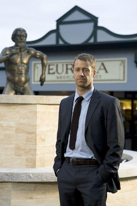 (1. Staffel) - Unbeabsichtigt landet Jack Carter (Colin Ferguson) in einem kleinen Städtchen namens Eureka. Schon bald wird ihm klar, dass dies kein... - Bildquelle: Universal Television