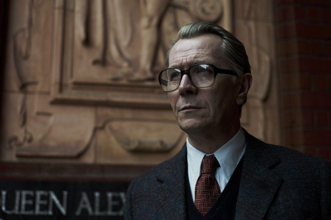 Kann George Smiley (Gary Oldman) einen KGB-Doppelagenten in der Führungsetage des britischen Geheimdienstes ausfindig machen? - Bildquelle: Studiocanal GmbH