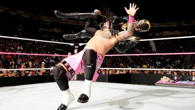 SmackDown 18. Oktober7