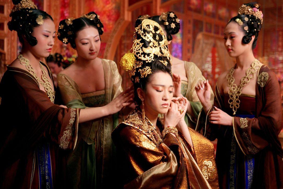 Kaiserin Phoenix (Li Gong, M.) plant gemeinsam mit ihren Söhnen ein Komplott gegen ihren Mann Kaiser Pling ... - Bildquelle: TOBIS Film