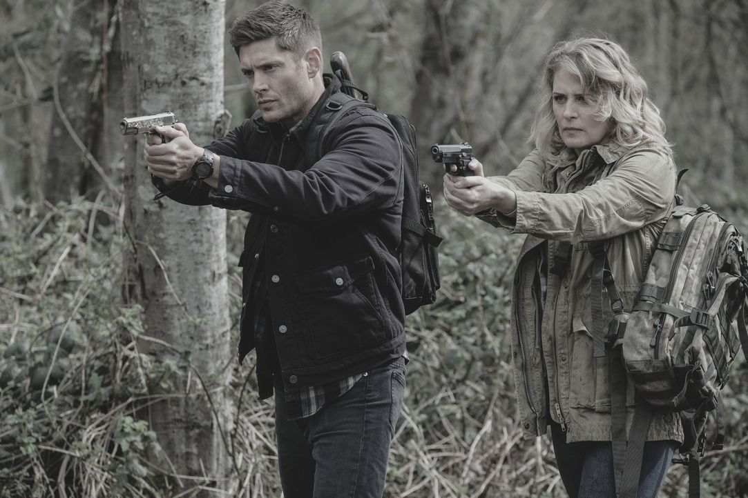 Dean (Jensen Ackles, l.); Mary (Samantha Smith, r.) - Bildquelle: Robert Falconer 2018 The CW Network, LLC. All Rights Reserved / Robert Falconer