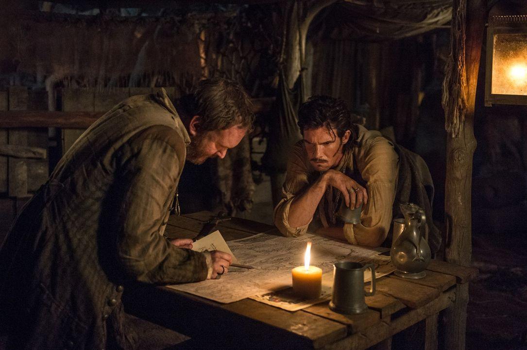 Der Schatz ist greifbar nahe: Jack (Toby Schmidt) und Featherstone (Craig Jackson) stehen kurz vor dem Ziel ... - Bildquelle: 2015 Starz Entertainment LLC, All rights reserved.