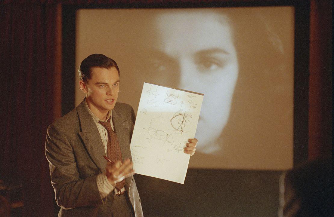 Im Berufsleben stets ein Überflieger, läuft es für Howard Hughes (Leonardo DiCaprio) in seinem Privatleben weniger gut: Seine Beziehungen zerbrechen... - Bildquelle: Miramax International
