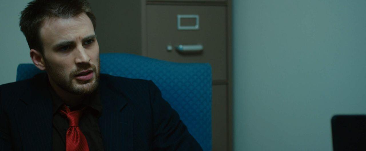 Eines Tages bekommt der drogensüchtige Anwalt Mike Weiss (Chris Evans) eine junge Krankenschwester als Mandantin, die sich in der Klinik an einer ve... - Bildquelle: 2010 Safety Point, LLC All Rights Reserved