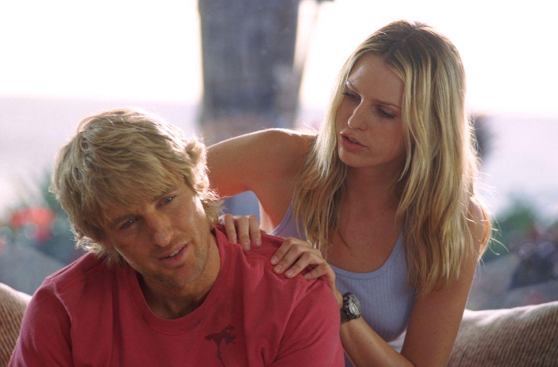 Für Jack (Owen Wilson, l.) ist der Strand ein wahres Schlaraffenland. Der Hippie-Surfer und Gelegenheitsdieb jagt an der Nordküste von Oahu der perf... - Bildquelle: Warner Bros.