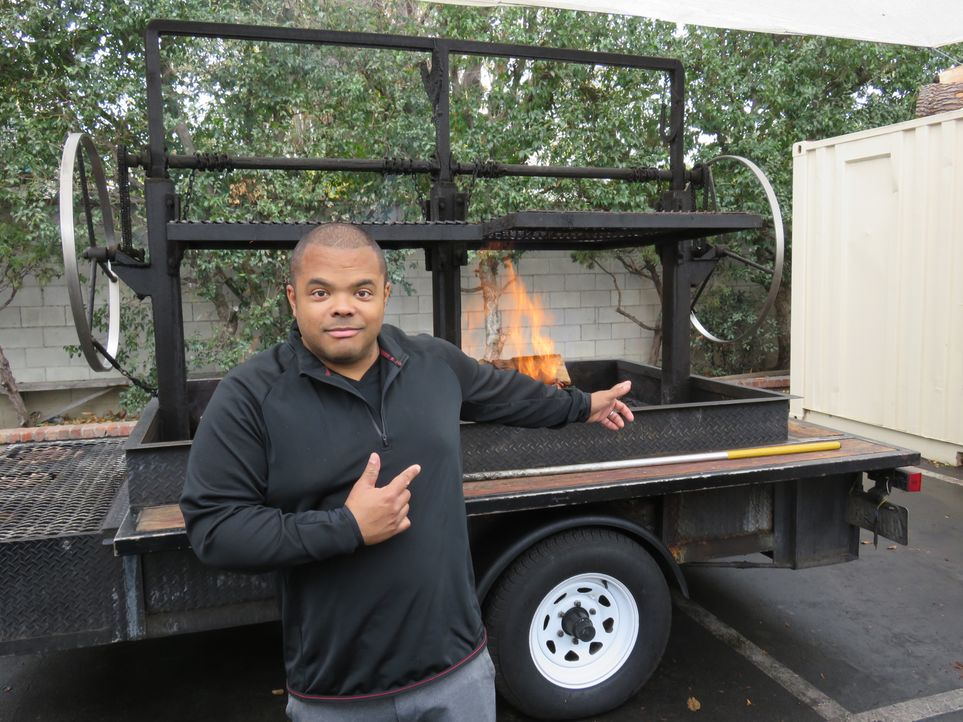 Roger Mooking - Bildquelle: 2018, Cooking Channel, LLC. All Rights Reserved