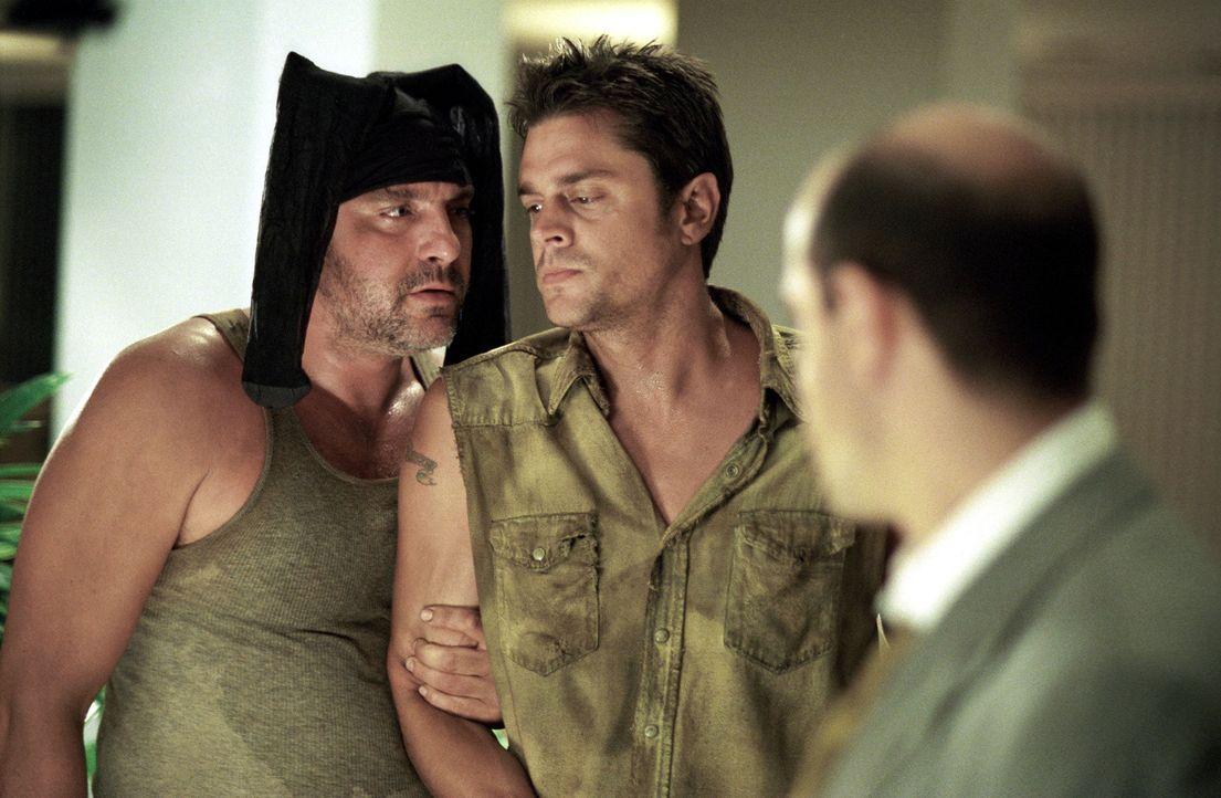 Immer da, wo Snake Dupree (Tom Sizemore, l.) und Eddie Leadbetter (Johnny Knoxville, M.) auftauchen, ist das Chaos vorprogrammiert … - Bildquelle: Touchstone Pictures