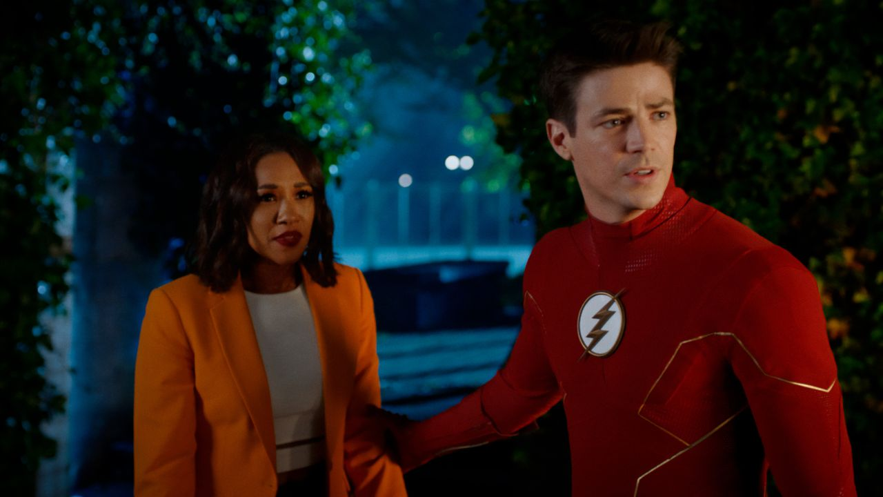 Iris West-Allen (Candice Patton, l.); The Flash (Grant Gustin, r.) - Bildquelle: Warner Bros. Entertainment Inc. All Rights Reserved.